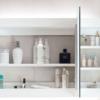 实木浴室壁挂镜柜白色现代简约浴室带灯镜柜橡木镜柜挂墙厂家直销